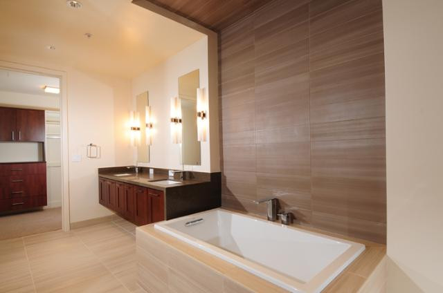 Master bath2 44 monroe condos
