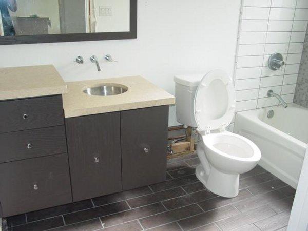 Toilet bon vie condos