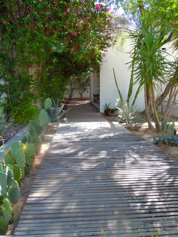 Walkway  camelback place townhomes