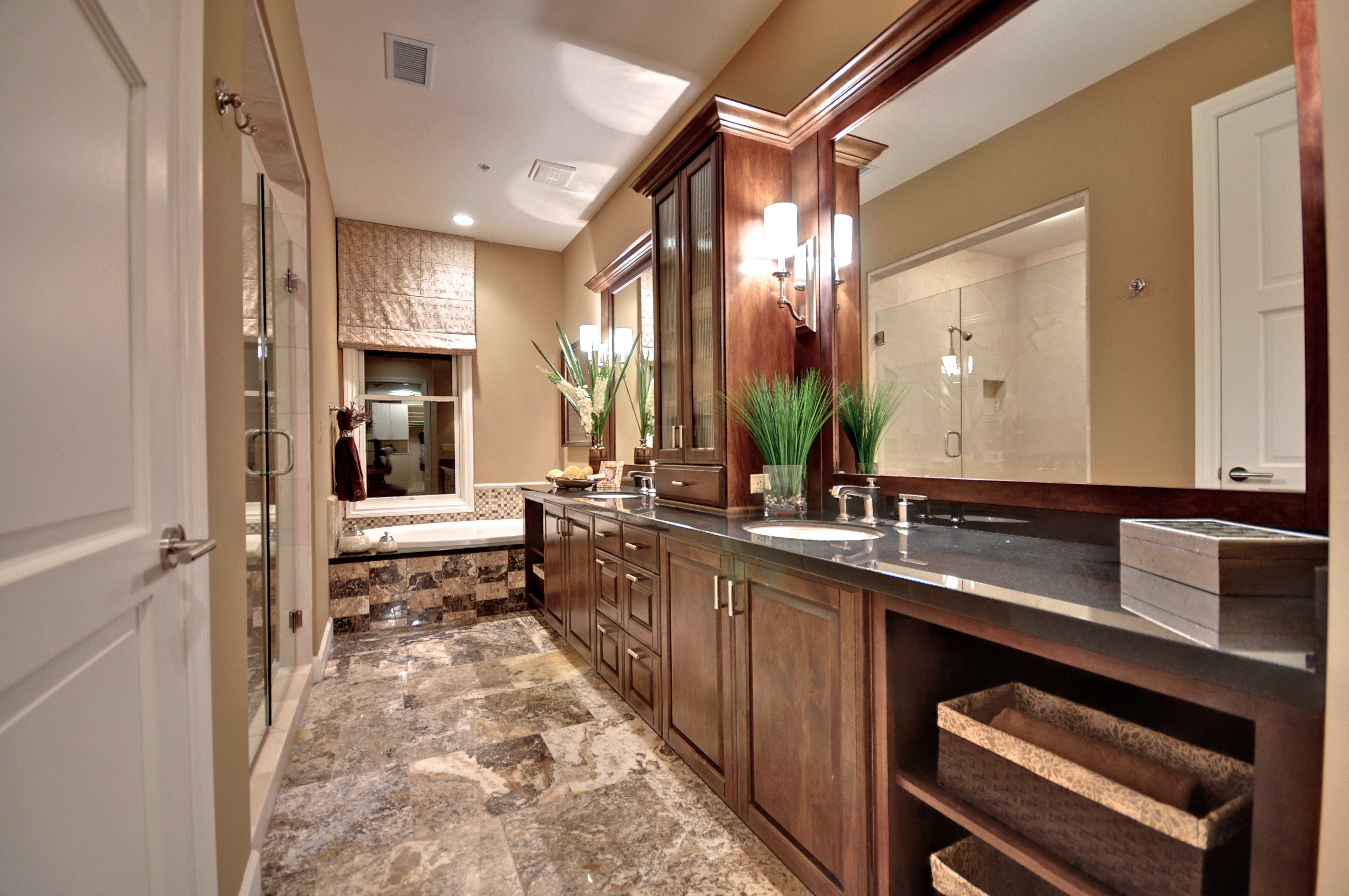 Master bathroom chateaux on central brownstones