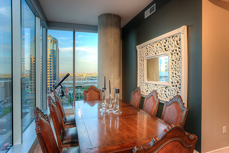 Cityscape dining with views