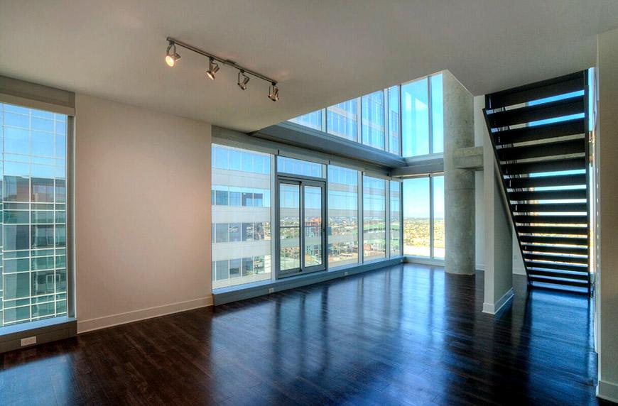 Cityscape loft living vacant