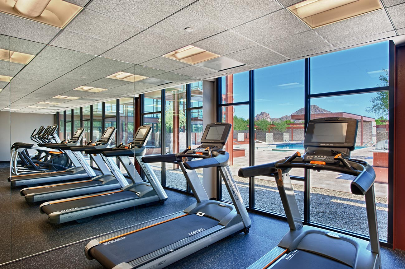 Fitness over pool domus condos