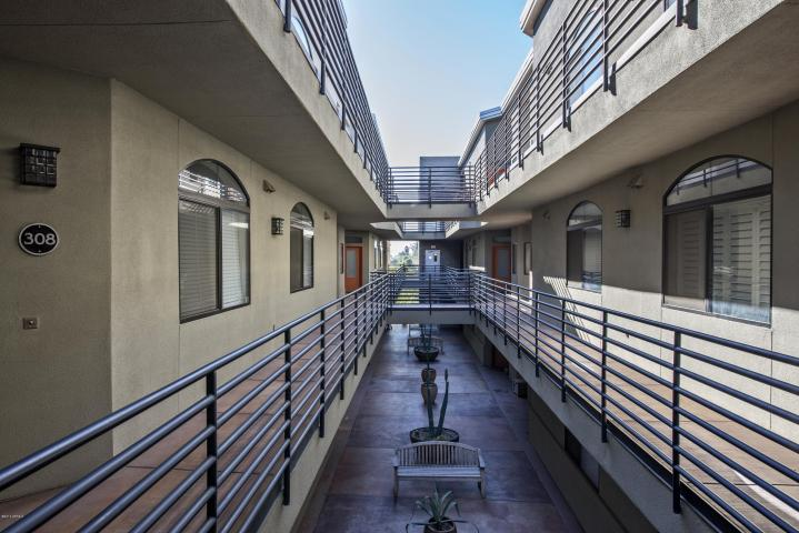 Courtyard la brezza condos
