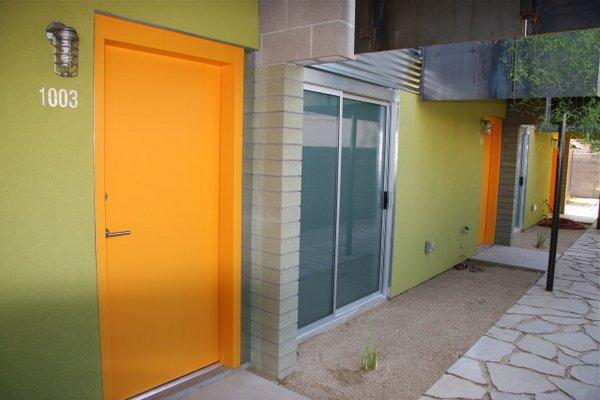 Entrance mezzo condos