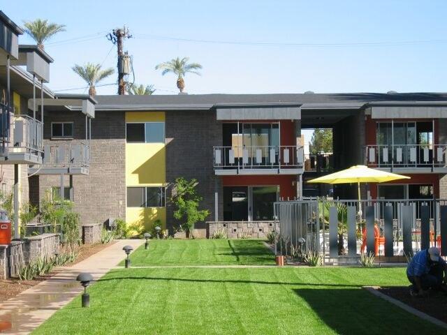 Yard palmaire condos