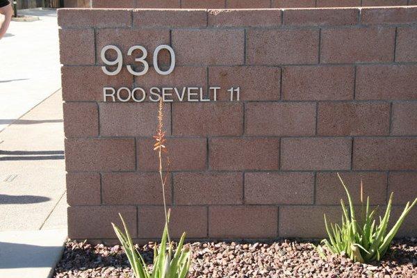 Signage roosevelt 11 rowhomes