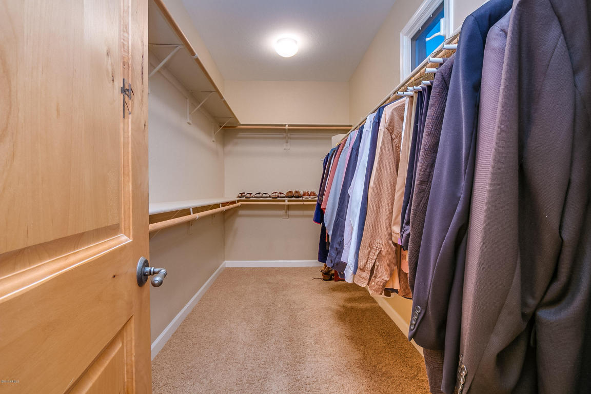 Townhomes at roosevelt square huge closets