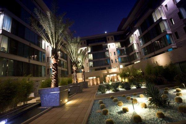 Courtyard w hotel condos