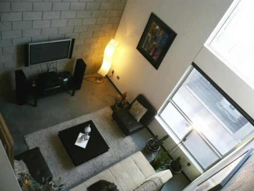 Living 2 willetta lofts